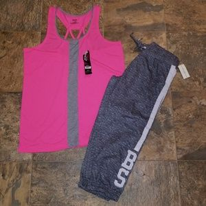 NWT LADIES STRAPPY BACK TANK & GRAPHIC CAPRIS